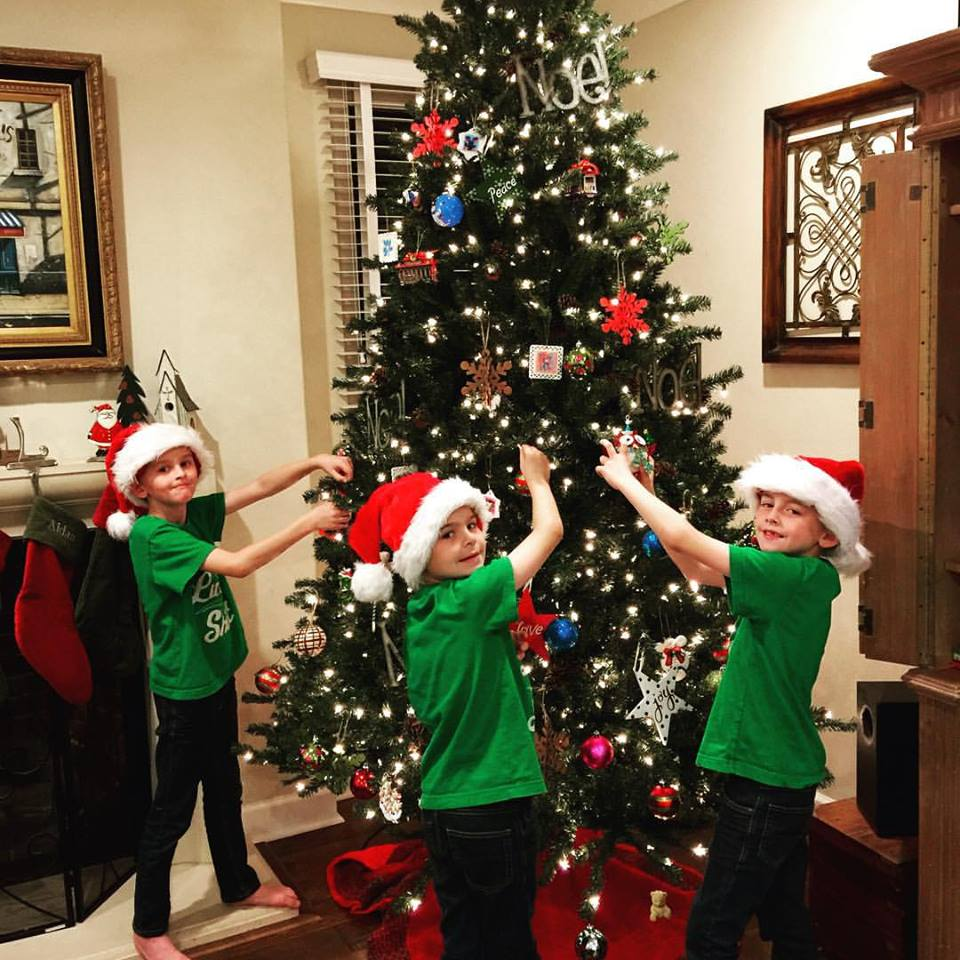 trips-decorating-the-tree